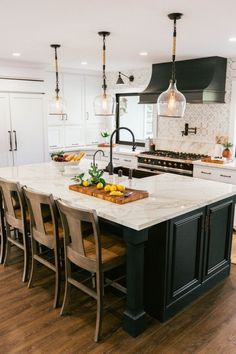 Image about interiors in Interior Design by Ebru pixwallpapers Untitled Curved Kitchen Island, Country Kitchen Island, Kitchen Island With Stove, Kitchen Island Storage, Kitchen Island Decor, Home Decor Kitchen, Kitchen Interior, Kitchen Design, Kitchen Ideas