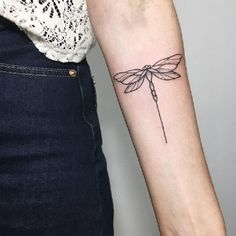 No automatic alt text available. Cute Tattoos, Beautiful Tattoos, Body Art Tattoos, Small Tattoos, Tatuagem Art Nouveau, Small Dragonfly Tattoo, Dragonfly Drawing, Tattoo Designs, Natur Tattoos