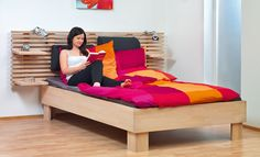 Bett selber bauen You do not have to buy a bed – as a handyman you can do it yourself. We show step by step how to build a single bed measuring 140 x 200 cm.
