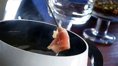 Fondue chinoise - Recettes - À la di Stasio Sauce A Fondue, Fondue Raclette, Shabu Shabu, One Pot Pasta, Yummy Eats, Chocolate Fondue, Food Inspiration, Ham, Pork