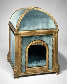 Quite possibly the most luxe dog kennel ever. Of course it belonged to Marie Antoinette!