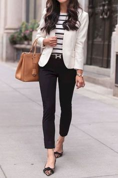 29 Casual Women Outfits Ideas With Blazer - Outfits for Work - Business Outfits for Work Look Blazer, Mode Jeans, Popular Outfits, Latest Outfits, Winter Outfits For Work, Monday Work Outfits, Spring Outfits, Professional Outfits, Young Professional