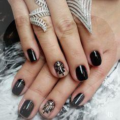#filhaunica #lucinhabarteli #supervaidosa#YNC  #camilacoelho #manicure #inlove #instanails #unhas #nailsoftheweek