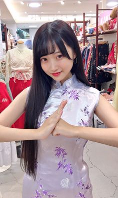 Traditional Fashion, Traditional Dresses, Cheongsam Dress, Asia Girl, Ao Dai, Satin Dresses, Asian Fashion, Chinese Dresses, Cosplay