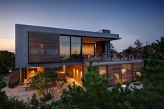 SHORE HOUSE | Stelle Lomont Rouhani Architects; Photo: Matthew Carbone | Archinect