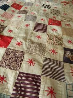 Antique small Victorian hand stitched cotton patchwork quilt. - cot child's bed