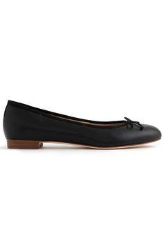 f272ff893f3db3 30 Wardrobe Essentials You Should Own by 30. Ballet Flats ...