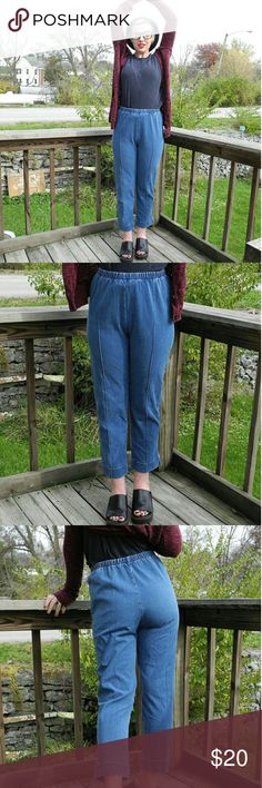 Strechy jeans  ❤❤😘😘🌼🌼💟💟so cute!!! These strechy jeans are so boss 😎😎 and so comfortable 😊😊 size small but has an elastic waist ban that is super strechy 🌻🌻super cute and in great condition!!! Vintage Jeans Ankle & Cropped