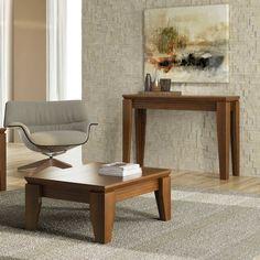 Os aparadores complementam a decoração do ambiente e são ótimas opções para colocar livros, vasos e fotos.
