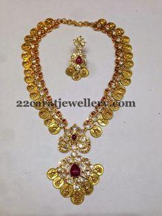 Jewellery Designs: Lakshmi Haram Pachi Design