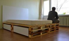 Simple Pallets Bed DIY Pallet Beds, Pallet Bed Frames & Pallet Headboards