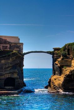 "bonitavista: "" Gaiola Bridge, Naples, Italy photo via alikatz "" Pp"