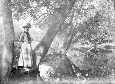 Mertie Catherine Gabriel, Genoa, IL, Ca 1900.