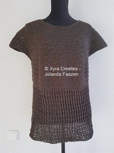****CROCHET-PATTERN**** (English-US & Dutch) PATR1098 Crochetpattern (US) – Shirt/top/sweater/tunic This shirt is crocheted with Ice Yarns Fettuccia Fine - 50 grams/150 meters, with crochet hook no. 4 (Dutch size). It is approx 67 cm (height) – 65-50cm (width). Size approx. L-XL. The