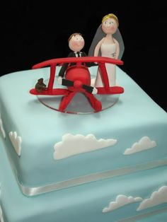 airplane wedding cake in clouds