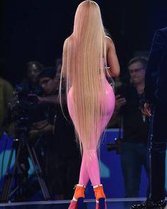 Nicki Minaj hot as always Nicki Minaj Rap, Nicki Minaji, Nicki Minaj Outfits, Nicki Minaj Barbie, Nicki Minaj Wallpaper, Nicki Minaj Pictures, Look Body, Super Long Hair, Mode Style