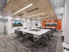 Daroff Design / DDI Architects have completed the PIDC offices, an economic development agency located in Philadelphia, Pennsylvania. Daroff Design Inc. Green Accent Walls, Industrial Development, Office Workstations, Adjustable Height Desk, Break Room, Window Wall, Architectural Elements, Side Chairs, Philadelphia