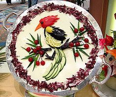 Woodpecker made out of food Amazing Food Decoration, Food Sculpture, Fruit And Vegetable Carving, Sandwich Cake, Salty Cake, Edible Food, How To Eat Better, Food Themes, Food Ideas