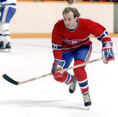 Hockey Legend: Guy Lafleur of the Montreal Canadiens. Montreal Canadiens, Mtl Canadiens, Montreal Hockey, Ice Hockey Sticks, Hockey Pictures, Hockey Games, National Hockey League, Toronto Maple Leafs, Hockey Players