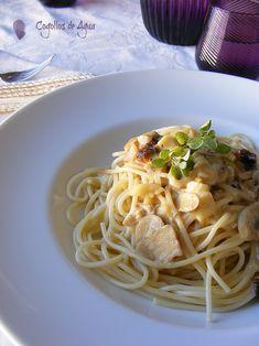 La salsa de champiñones y queso brie es realmente deliciosa ideal para acompañar a la pasta y os aseguro que queda fantástica sobre coliflor...