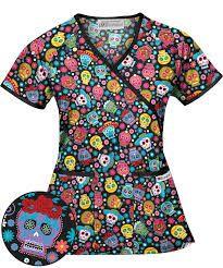 Resultado de imagen para estilos uniformes de enfermeria estampados