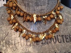 Fabulous '40s/'50s necklace. Beautiful! For sale in store only,(498)