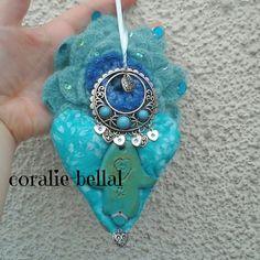 Décoration turquoise,décoration coeur tissu,décoration bohème ethnique main de fatma unique : Accessoires de maison par coralie-bellal