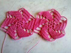 Crochet motif for tunic blouse dress VERY EASY free pattern tutorial Crochet Motif Patterns, Crochet Diagram, Basic Crochet Stitches, Crochet Basics, Crochet Squares, Beau Crochet, Crochet Diy, Crochet Tunic, Irish Crochet