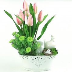 Flower Boxes, Ikebana, Easter Crafts, Flower Art, Tulips, Floral Arrangements, Projects To Try, Arts And Crafts, Bouquet