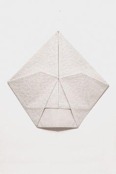 Martinho Patrício Sem título Untitled 2002 Renda e Linho Lace and Linen 42,5 x 46 cm