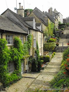 Tetbury, Gloucestershire, England One of my favorite places to antique England And Scotland, England Uk, Europa Tour, English Village, English Cottages, British Countryside, Beaux Villages, British Isles, Oh The Places You'll Go