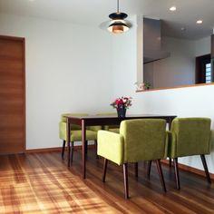 ウォールナットな床のインテリア実例写真