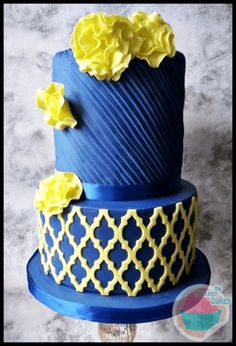 New wedding cakes blue yellow fondant Ideas Pretty Cakes, Beautiful Cakes, Amazing Cakes, Cupcakes, Cupcake Cakes, Fondant, Couture Cakes, Blue Cakes, Royal Blue And Gold