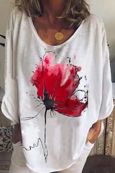 Casual Lotus Print Gradient V-neck Long Sleeves T-shirt - Shopingnova Blouses For Women, T Shirts For Women, Latest Tops, Thing 1, Fish Print, Sustainable Clothing, Butterfly Print, Types Of Sleeves, Fashion News