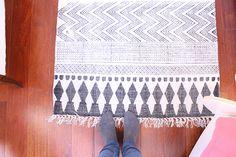 blog - Deco & Living Ideas Prácticas, Textiles, Animal Print Rug, Rugs, Blog, Home Decor, Blank Canvas, Tiles, Little Cottages