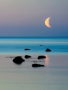 Ahh the serenity. so much serenity. Beautiful Moon, Beautiful Beaches, Beautiful World, Beautiful Things, Beautiful Unicorn, Simply Beautiful, Cool Photos, Beautiful Pictures, Amazing Photos