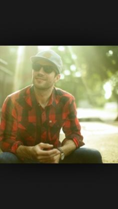 Sam Hunt.....Im in love with this guys voice...and looks ;) definitely looks too ;)