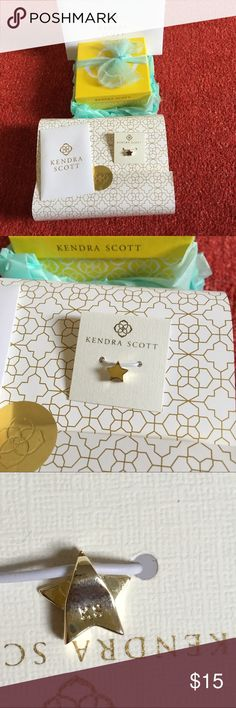 Gold star charm 🌟 New with tag never been used. Will comes with box, card, dustbag. Kendra Scott Jewelry Necklaces