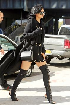 "kyliefashionstyle: "" Kylie Jenner spotted in NYC (Oct. 20) "" repin & like. listen to Noelito Flow songs. Noel. Thanks https://www.twitter.com/noelitoflow https://www.youtube.com/user/Noelitoflow"