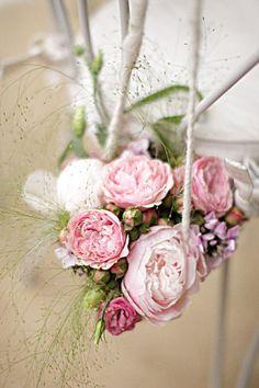 Photography by Xavier Navarro Photographie / xaviernavarro.com, Flowers by Sabine Flowers / sabine-flowers.com
