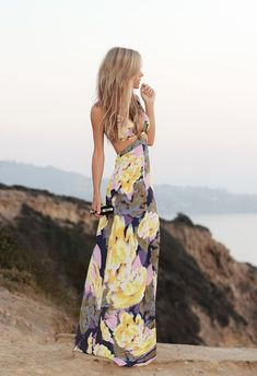 Summer fashion thin strap long maxi floral dress for ladies. Beautiful and looks comfortable Cute Fashion, Look Fashion, Fashion Beauty, Fashion 2014, Dress Fashion, Fashion Ideas, Vogue Fashion, Fashion Hair, Colorful Fashion