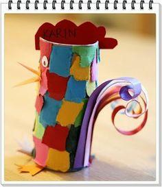 Förskolepyssel till Påsken Funkar även bra i form av höna och en lite… Toilet Roll Craft, Toilet Paper Roll Crafts, Crafts For Seniors, Crafts For Kids, Arts And Crafts, Farm Crafts, Easter Crafts, Rooster Craft, Cardboard Tube Crafts