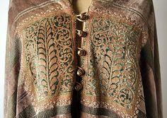 Evening cape Fortuny  (Italian, founded 1906)   Designer: Mariano Fortuny (Spanish, Granada 1871–1949 Venice) Date: early 1930s Culture: Italian Medium: silk. Detail