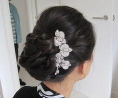 Vintage wedding hairstyle