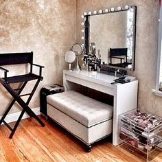 DIY iKEA Vanity with lights! | Beauty | Pinterest | Ikea vanity ...