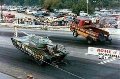 .#wheelstanders Drag racing tank & Dodge A100 pickup #LittleRedWagon
