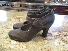 Peter Fox Black Leather and Grey Suede Shoes with strap -  Vintage #PeterFox #Heels
