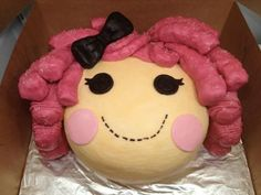 Lalaloopsy Cake This site has some great cake decorating tips Pretty Cakes, Beautiful Cakes, Amazing Cakes, Cake Decorating Tutorials, Cookie Decorating, Chocolates, Lalaloopsy Party, Just Cakes, Kid Cakes