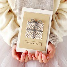 こどもも夢中に??クロスステッチのクリスマスカード Christmas Gift Tags Printable, Holiday Gift Tags, Free Christmas Printables, Free Christmas Gifts, Christmas Card Crafts, Navidad Diy, Theme Noel, Handmade Birthday Cards, Homemade Cards