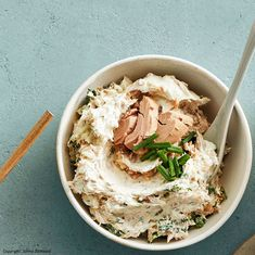 Tuna Dip - Saucen & Dips - Appetizers for party Dip Recipes, Shrimp Recipes, Sauce Recipes, Dinner Recipes, Cooking Recipes, Tuna Dip, Easy Nutella Brownies, Easy Chicken Pot Pie, Seafood Appetizers